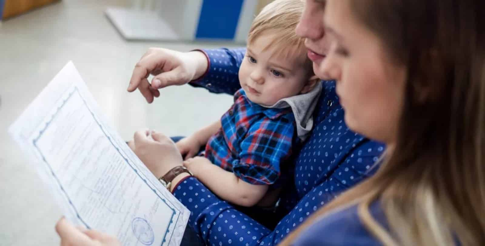 Семьи с детьми ждут от правительства материальной поддержки в сентябре
