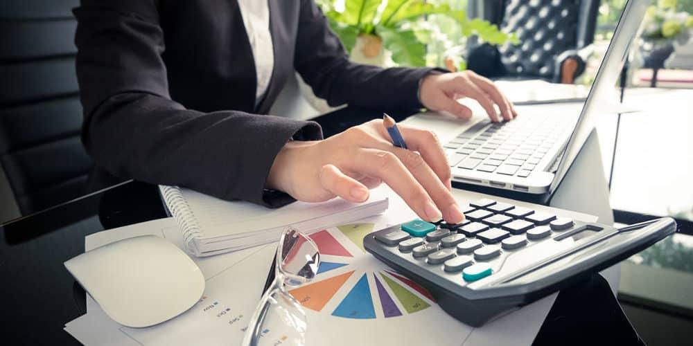 С какой целью вычитается подоходный налог с зарплаты?
