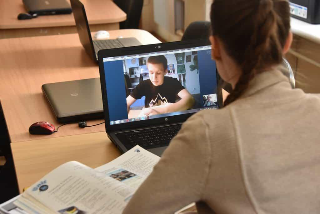 Об отмене школьных линеек в Москве 1 сентября, сообщил мэр Собянин