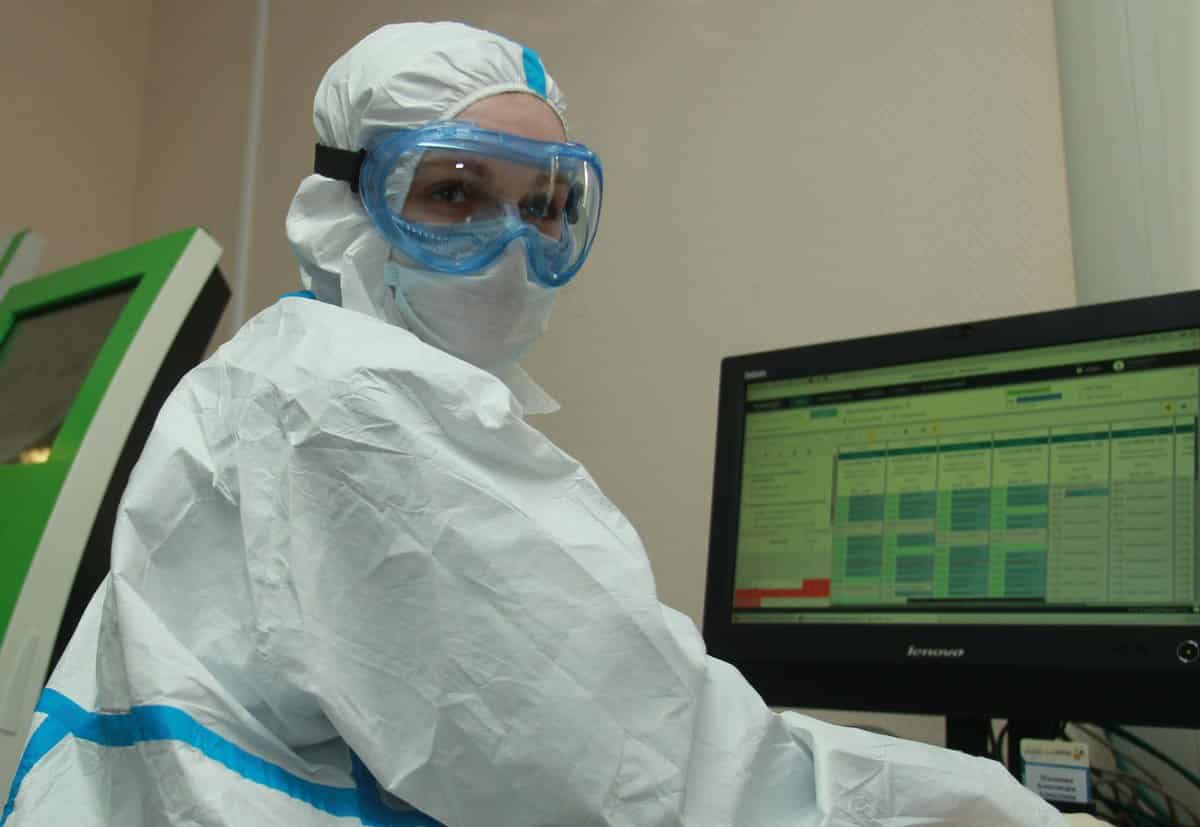 О второй волне коронавируса осенью, рассказали в Минздраве России