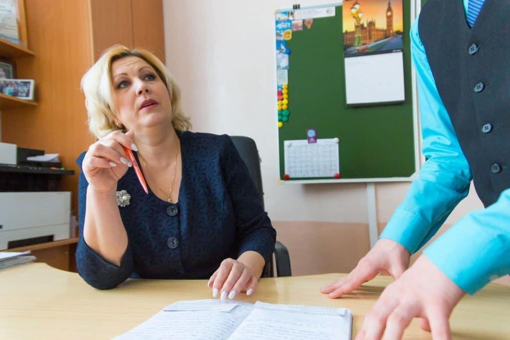 С 1 сентября российским учителям будут доплачивать за классное руководство