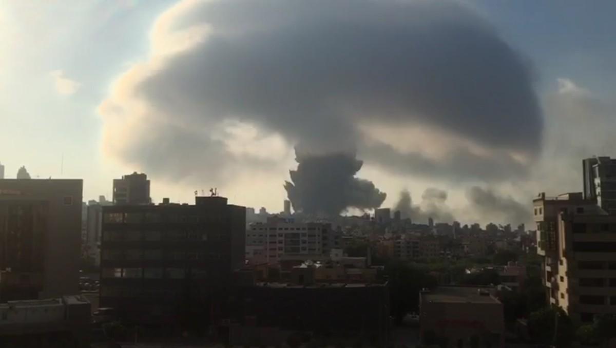 В Бейруте продолжает расти число жертв: кто виноват в трагедии