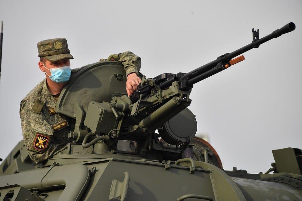Довольствие военнослужащих в 2020 году увеличат: что сказали Шойгу и Путин