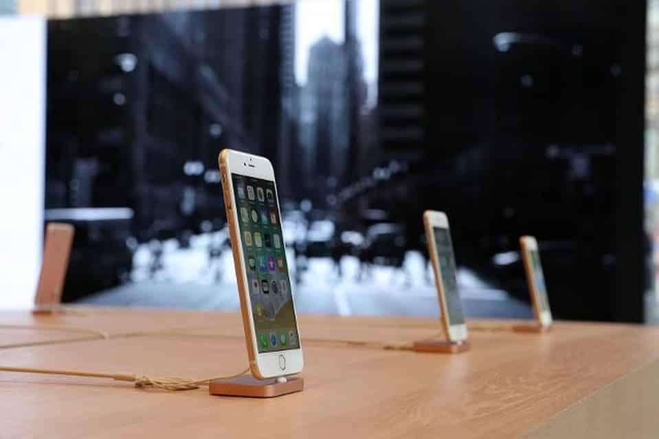 Через какое время цены на Айфон снижаются при появлении новых моделей