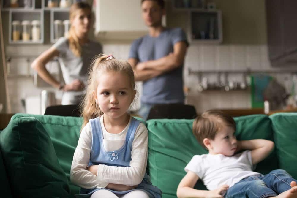 Глава правительства подписал распоряжение упрощающую выплату на ребенка от 3 до 7 лет