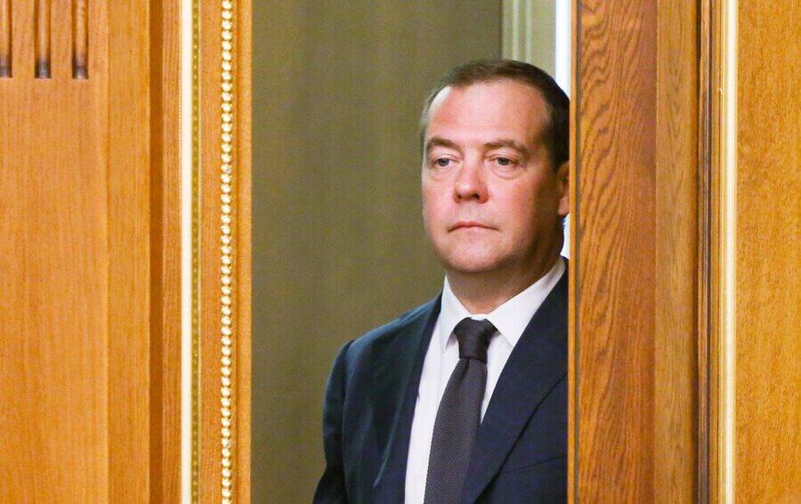 Чем занимается Дмитрий Медведев сегодня: кем работает, почему ушёл с поста председателя правительства России
