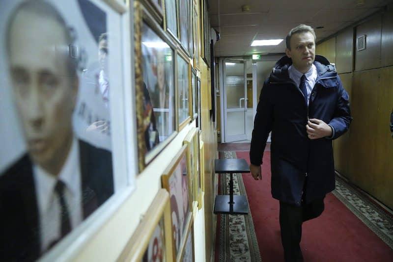 В Европе хотят сделать Навального президентом России, считает политолог
