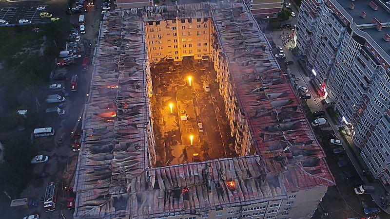 Сильный пожар произошел в многоэтажке Краснодара 13 сентября 2020 года