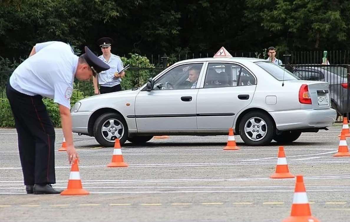 Экзамены на водительские права будут принимать по-новому с 1 апреля 2021 года