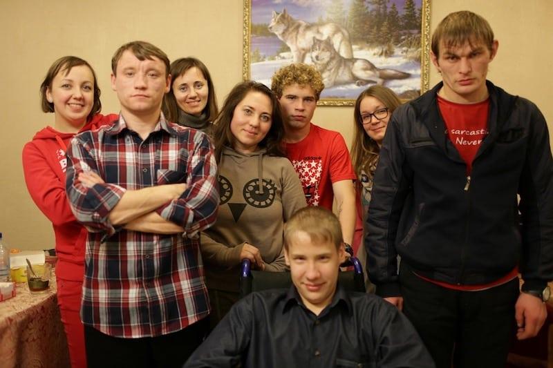 Большинство выпускников детских домов России сталкиваются с финансовыми проблемами