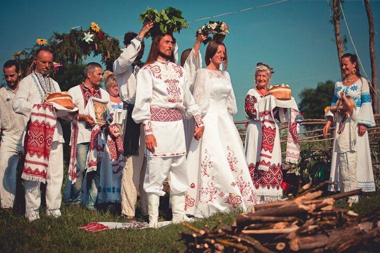 Почему некоторые девушки на Руси после первой брачной ночи топились