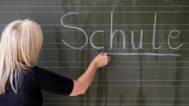 Сколько платят учителям в других странах