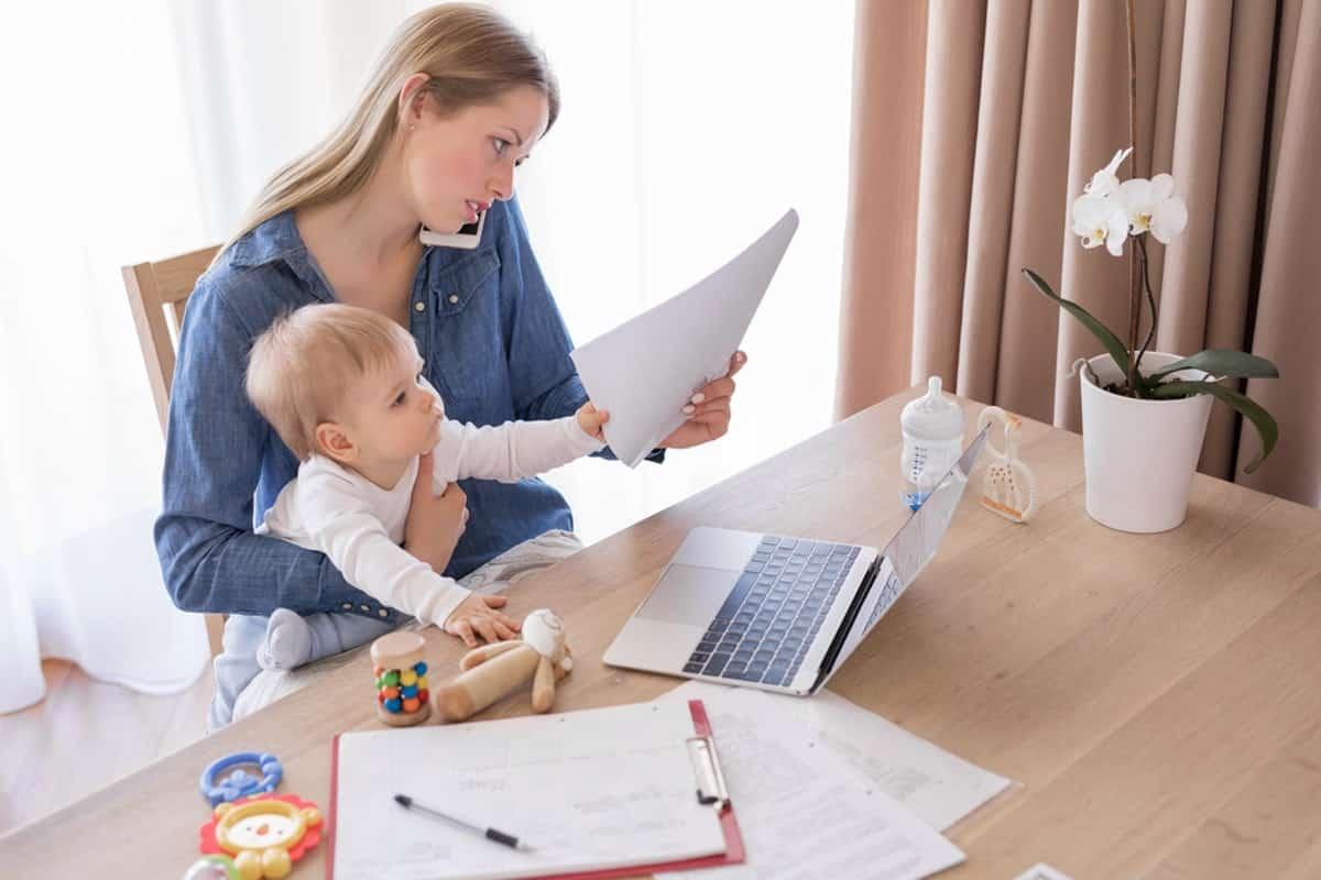 О возможном повышении детских пособий в России, заговорили в Совете федерации