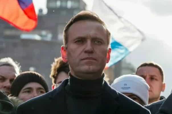 Президент Франции сообщил Путину результаты анализа крови Навального, сделанные a французской лаборатории
