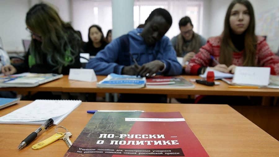 Не всех иностранных студентов пустят в Россию для учёбы в сентябре