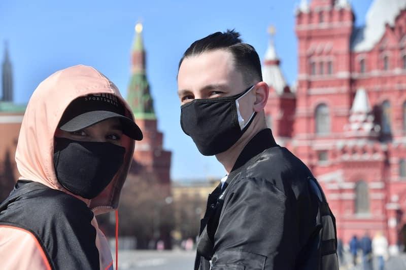 Причины возможного возвращения карантина в России назвали эксперты