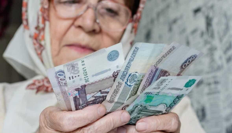 Предложение об увеличении пенсии на 2,5 тыс рублей в 2021 году, рассмотрят в Госдуме