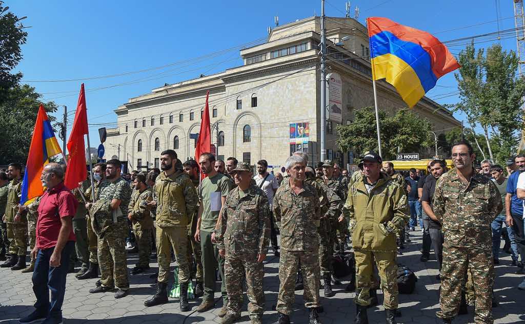 В Азербайджане и Армении объявлена частичная мобилизация: подробности конфликта