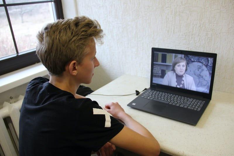 Вопрос перевода ребёнка на домашнее обучение всё чаще интересует россиян после начала пандемии