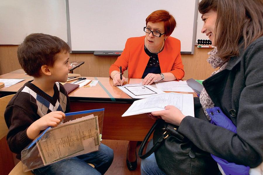 Изменения в правилах зачисления детей в школу, подготовили в Минобразования