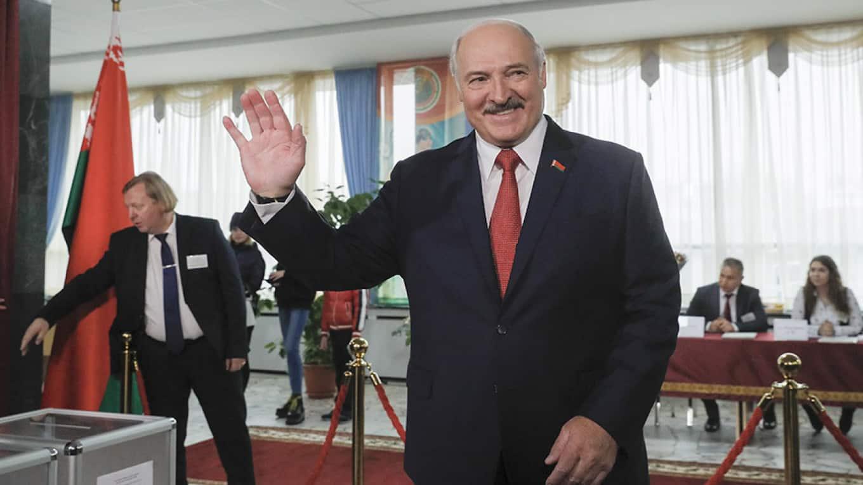 Беларусь закрывает и усиливает границы: чего боится Лукашенко?