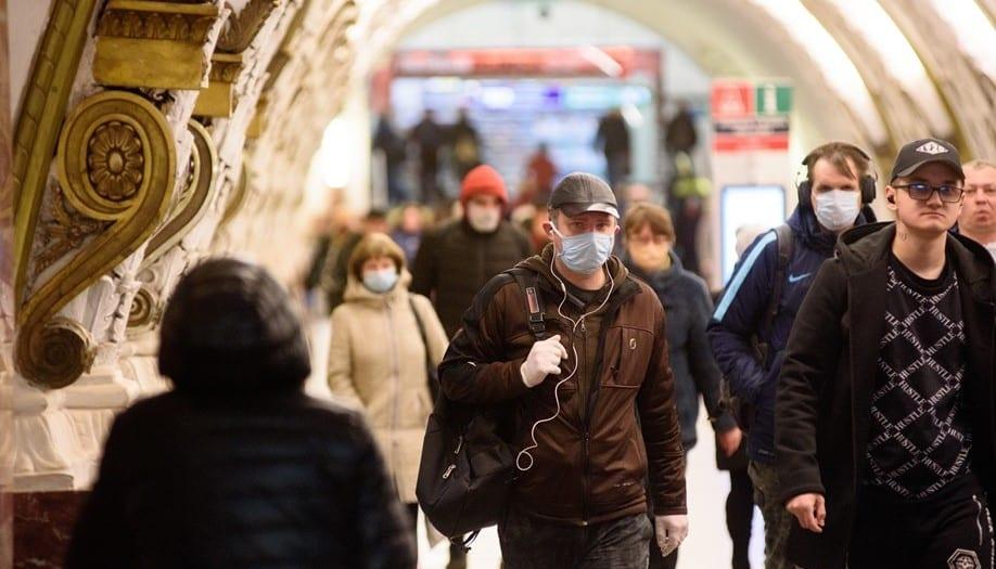 Россияне без масок не смогут воспользоваться услугами общественного транспорта в Санкт-Петербурге