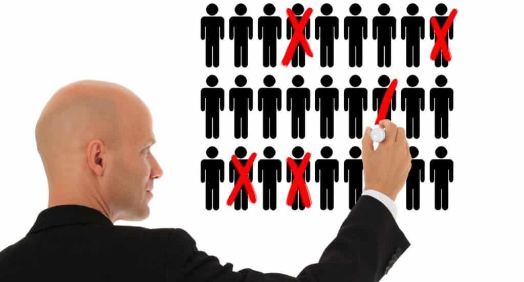 Большое сокращение сотрудников фиксируется в большинстве регионах России