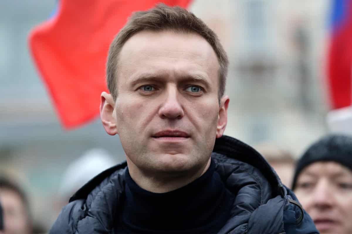 Названы имена людей, давших деньги на лечение Алексея Навального