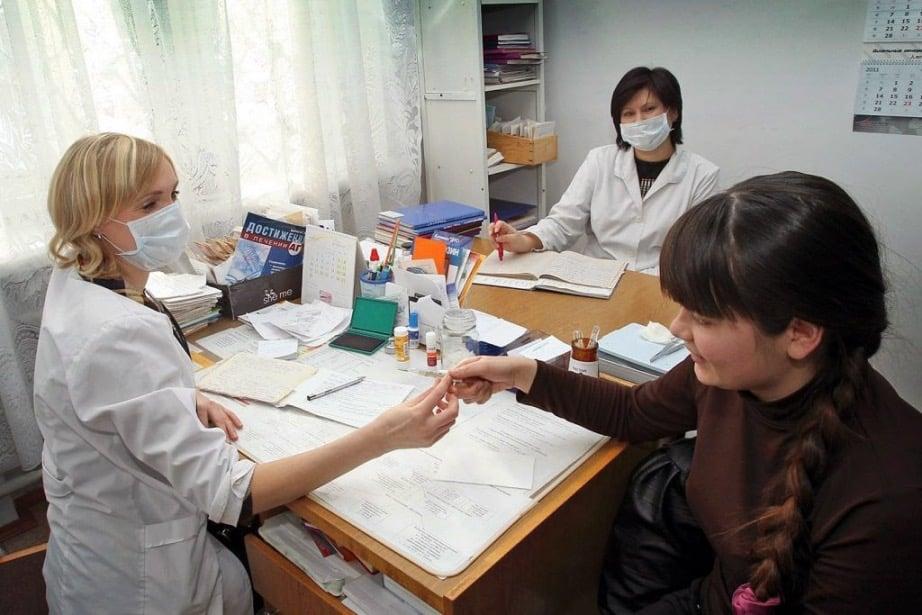 Уровень заболеваемости ОРВИ и ГРИППом остается на низком уровне в октябре 2020 года, сообщили в Роспотребнадзоре