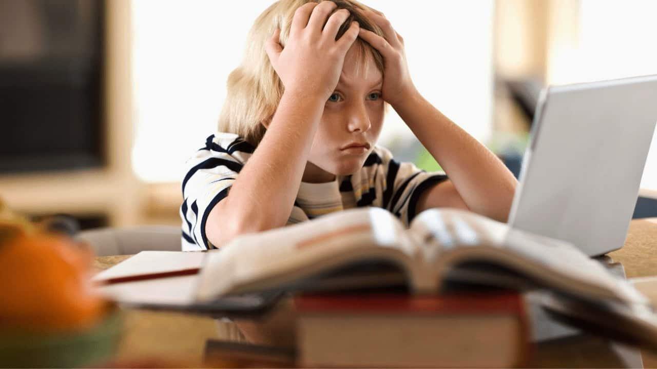 Депутаты рассмотрят предложение оплачивать отпуск родителям учеников младших классов на время каникул