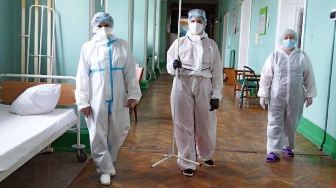 Возможный выход на плато по коронавирусу спрогнозировали вирусологи