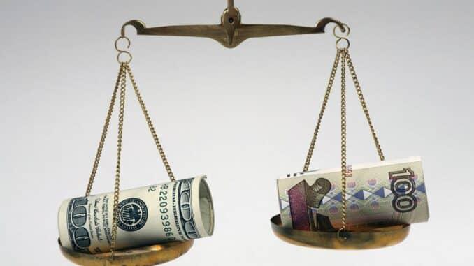 Дальнейшее падение рубля прогнозируют эксперты на предстоящей неделе