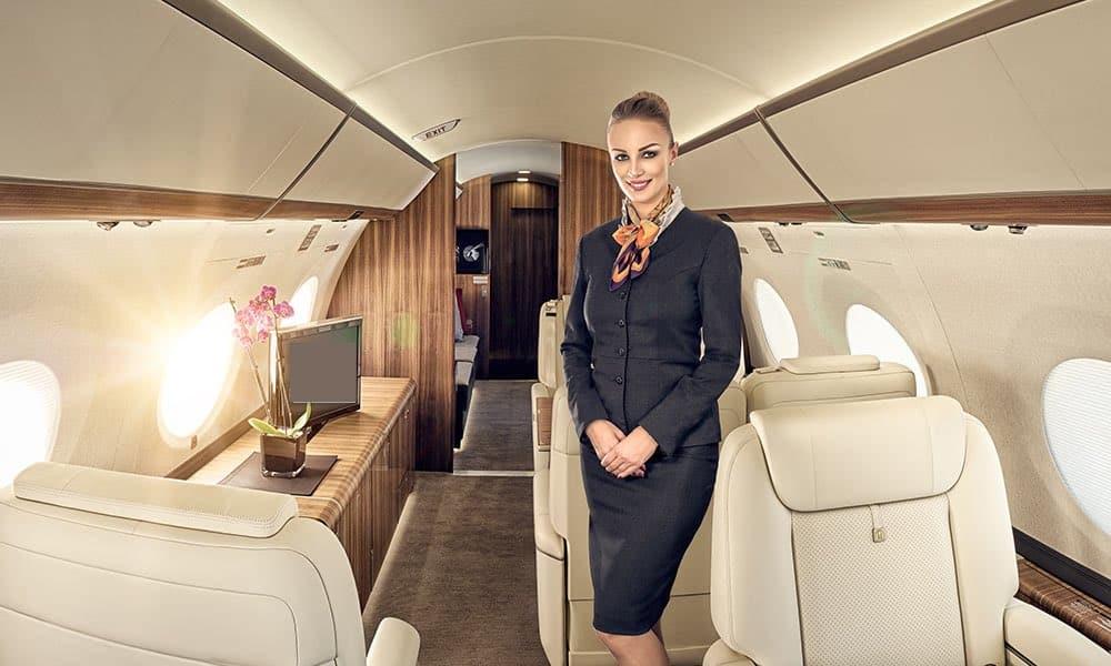 О зарплатах сотрудников российских авиакомпаний, рассказала бывшая стюардесса