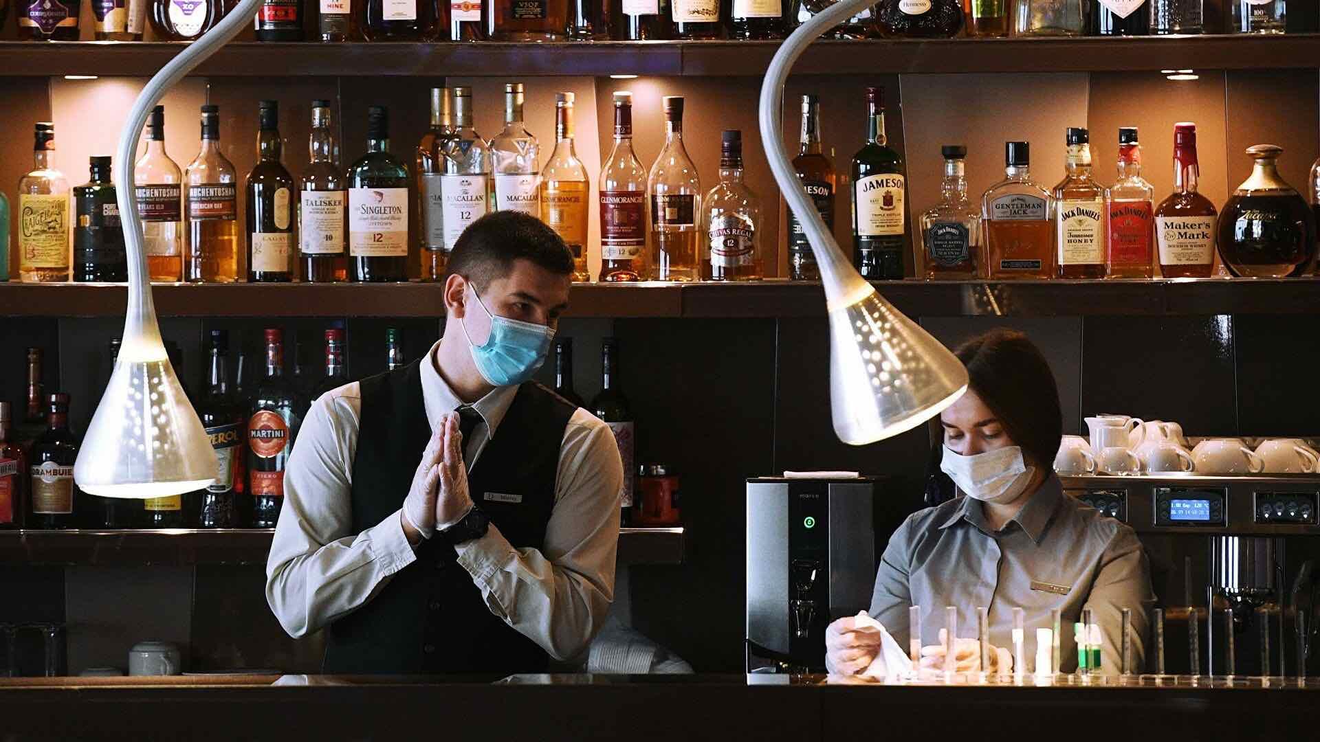 В Москве ограничили вход в клубы и ночные бары из-за коронавируса