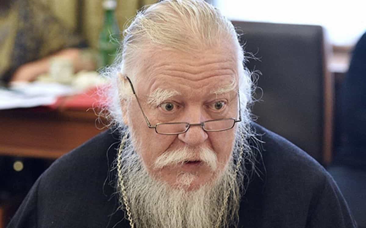 Состояние здоровья протоиерея Димитрия Смирновапродолжает ухудшаться, сообщили в РПЦ