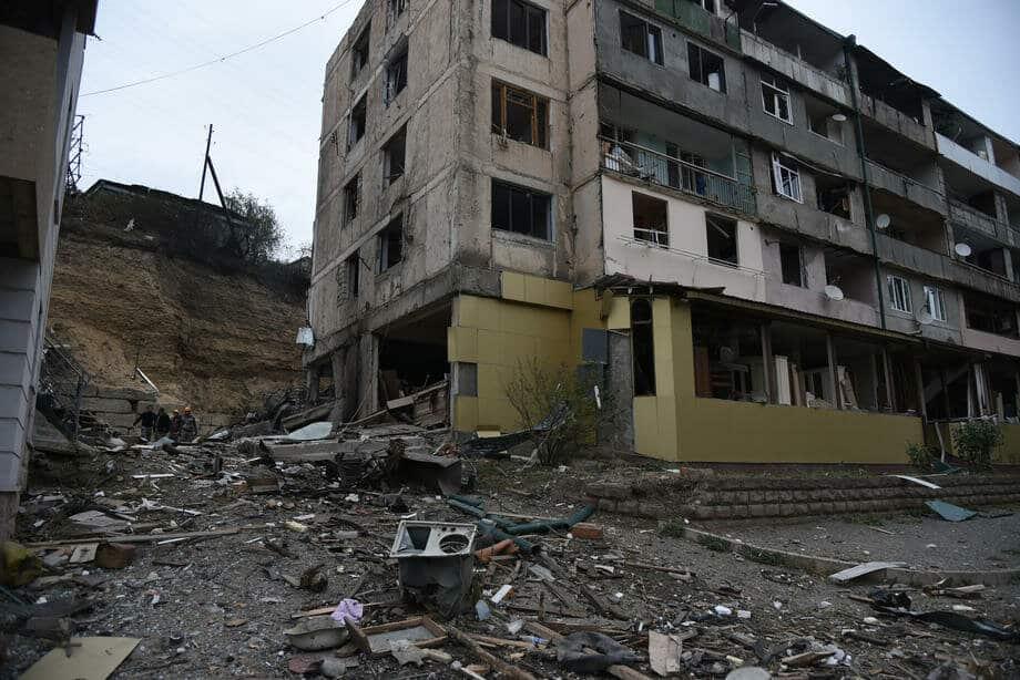 Подошла к концу вторая неделя боевых действий в Нагорном Карабахе