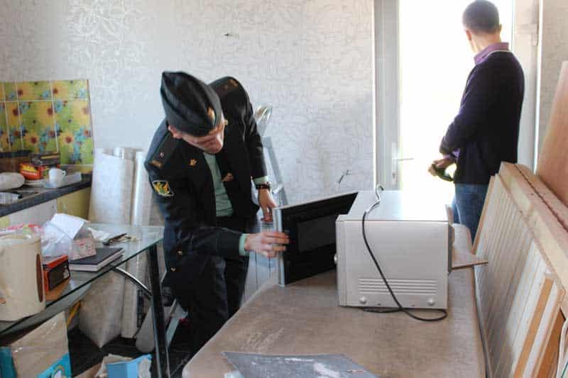 Ограничение на арест имущества судебными приставами ещё в силе, рассказали в ФССП