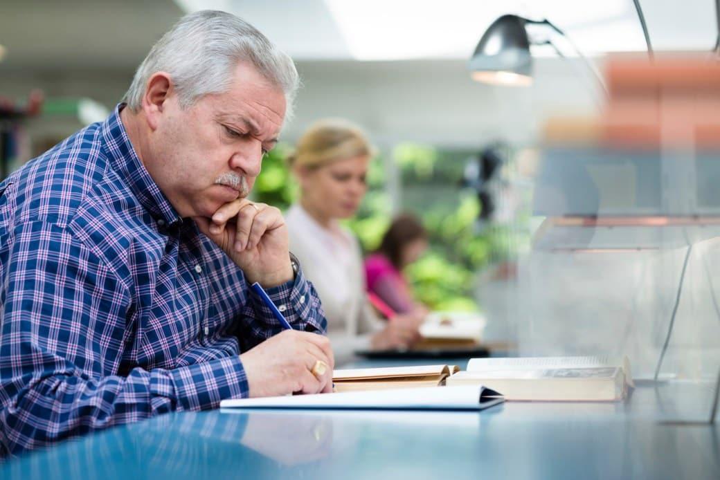 Госдума рассмотрит законопроект об индексации пенсий работающим пенсионерам в 2021 году