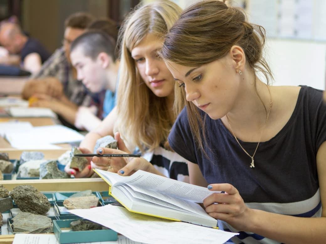 Российским студентам могут повысить в 2021 году стипендию