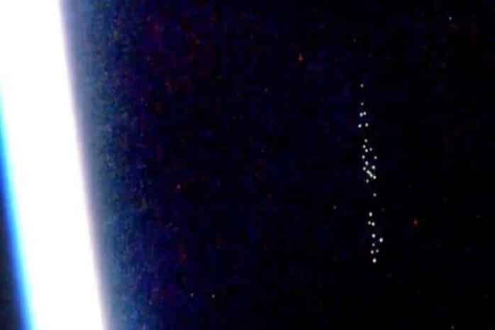 Камеры МКС зафиксировали в 2020 году несколько скоплений НЛО