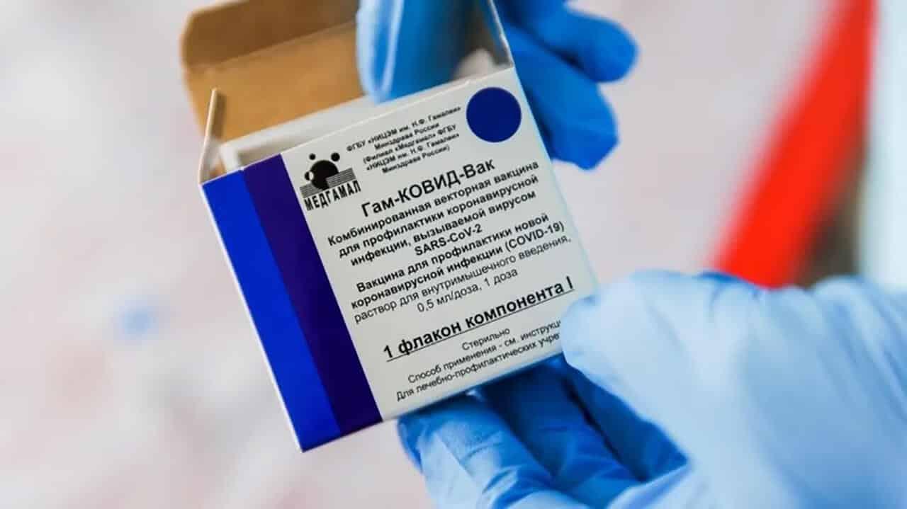 Вакцина от COVID-19 требуется даже тем, кто им уже переболел