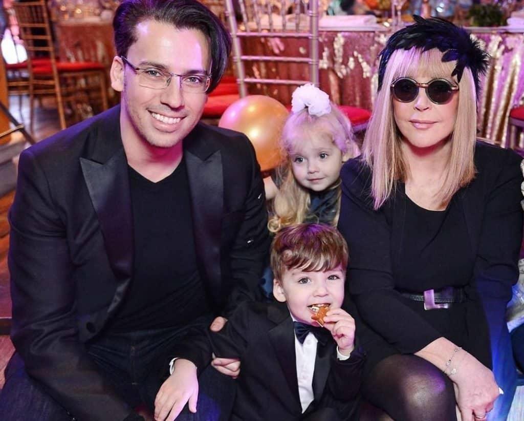 Некоторые звёзды российского шоу-бизнеса пользовались услугами суррогатных матерей