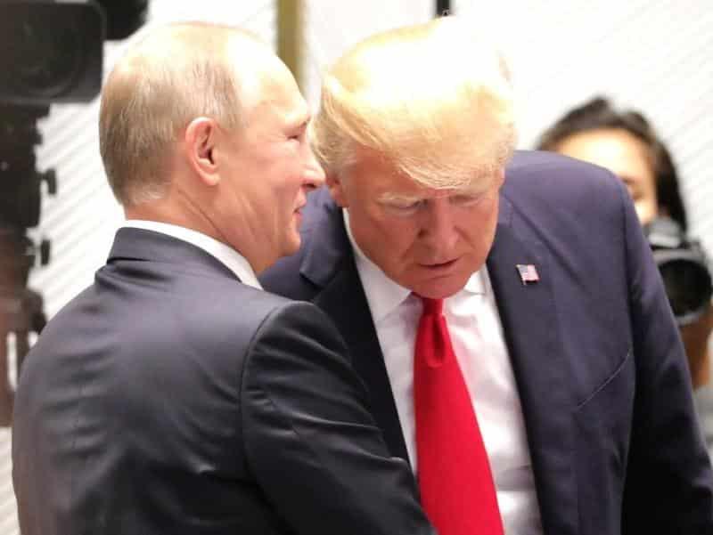 Политолог Валерий Соловей заявил о серьезном компромате у Путина на Трампа