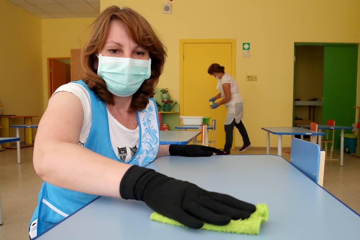 Санитарные меры в школах России продлят до 2022 года