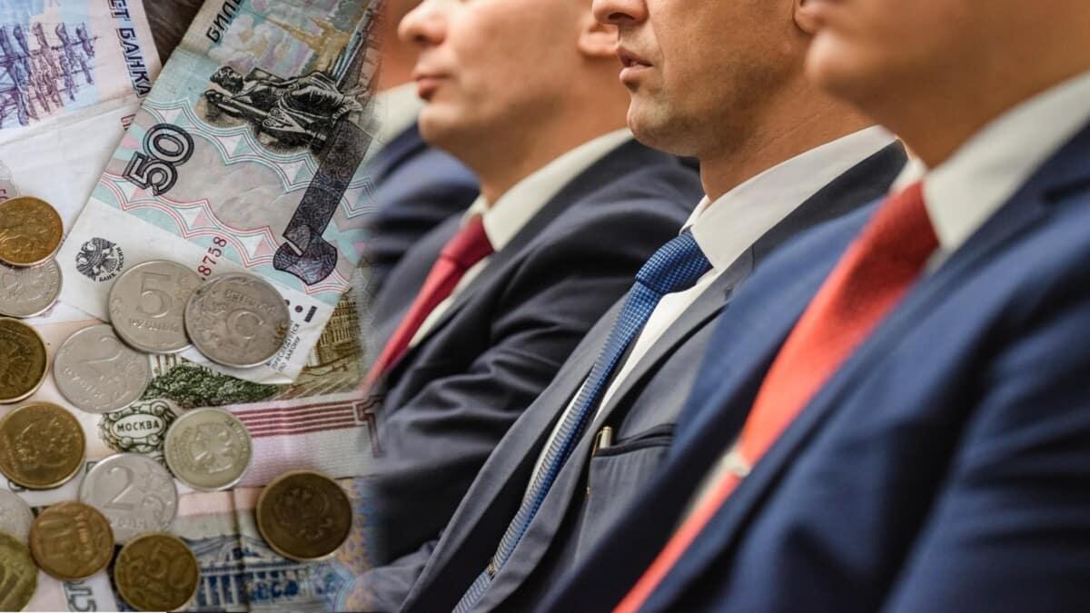 Владимир Путин приостановил индексацию зарплат госслужащих