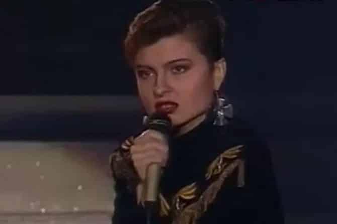Певица Светлана Владимирская впала в кому: чем болеет звезда 90-х