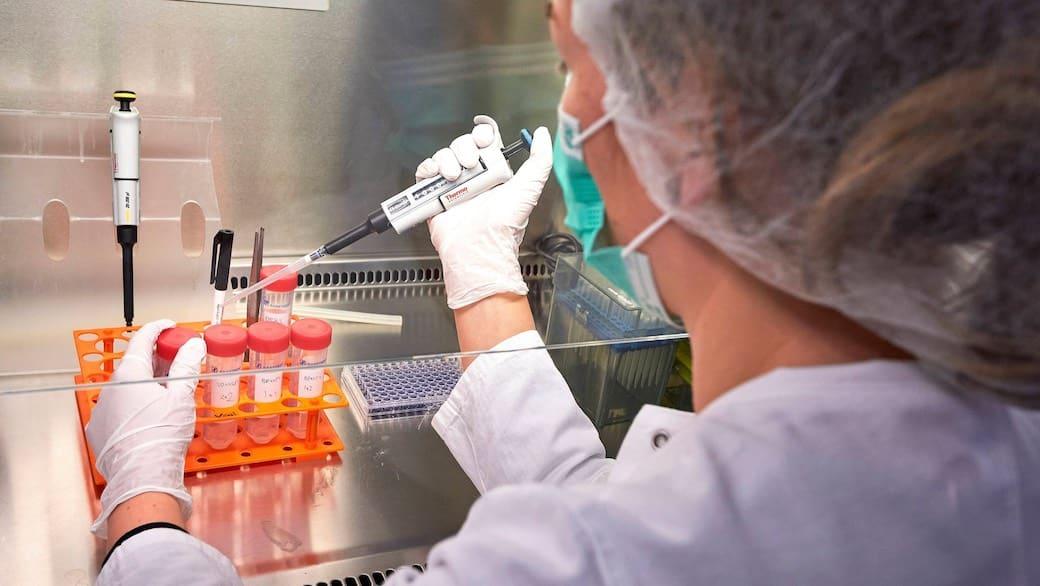 В Кремле прокомментировали рост числа выявленных случаев коронавируса
