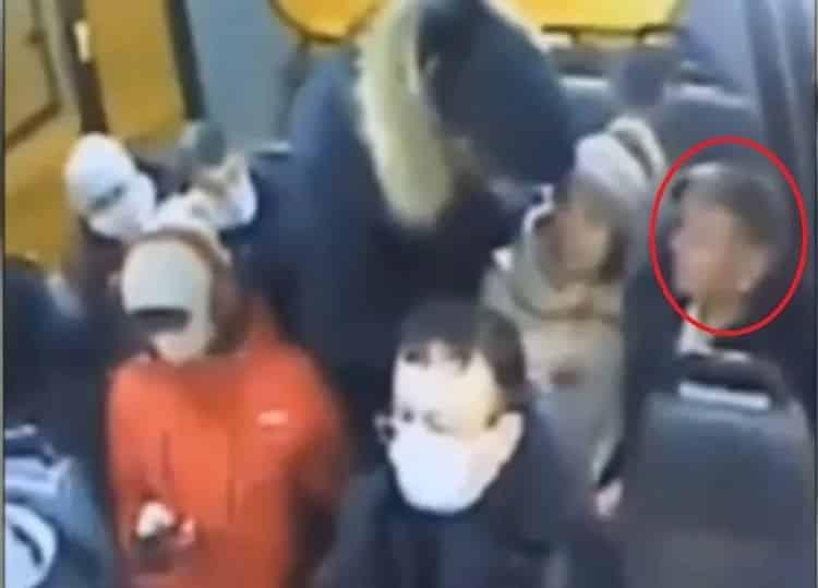 За замечание об отсутствии маски в автобусе, убили мужчину в Ленобласти
