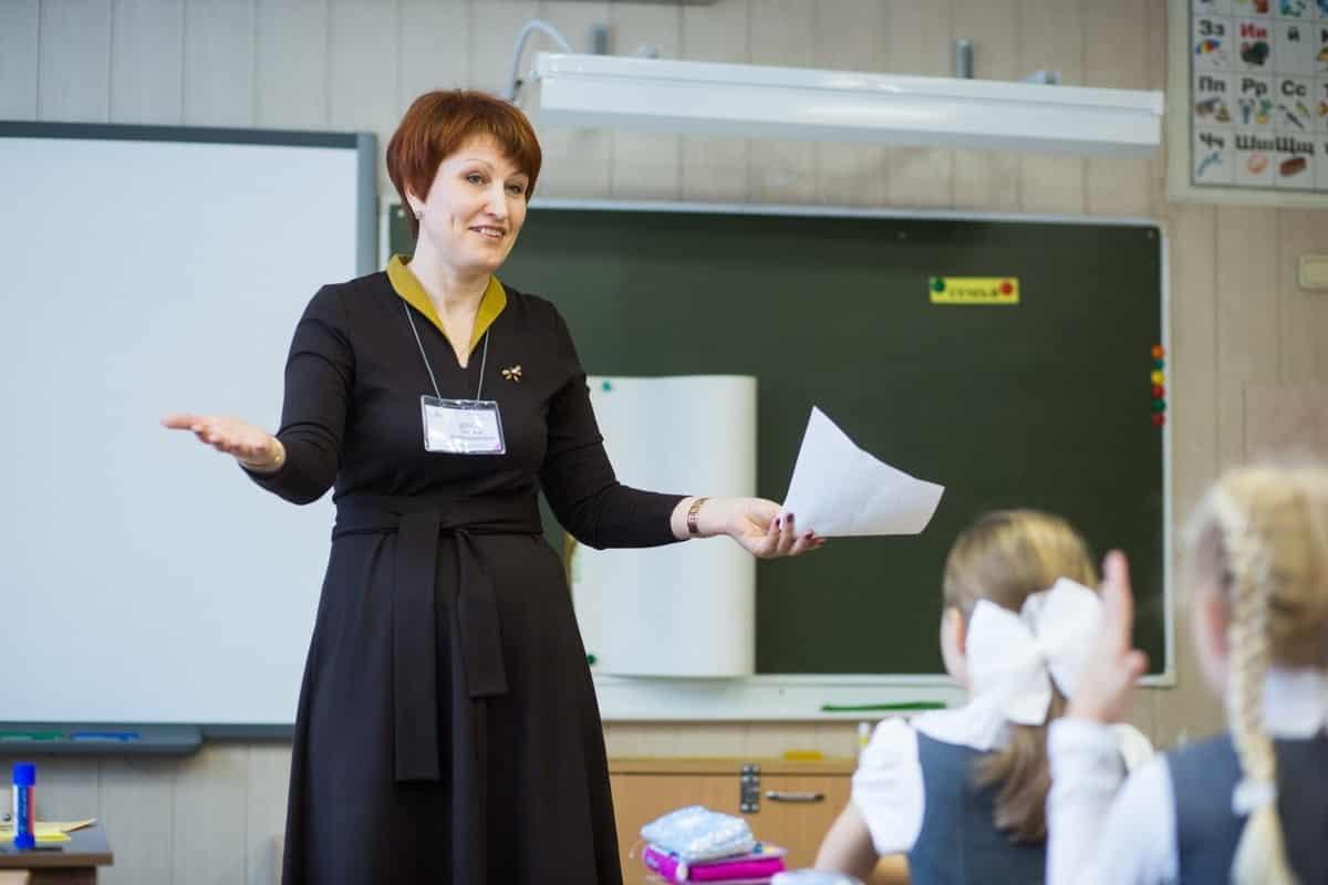 Российские учителя начнут получать доплату за классное руководство