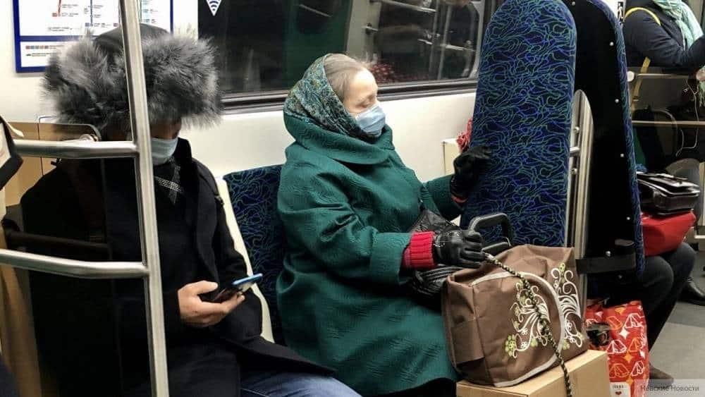 В Санкт-Петербурге могут ввести жесткие ограничения из-за коронавируса